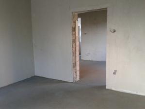hneď to inak vyzerá ked su steny skoro hotové a podlahy :-)