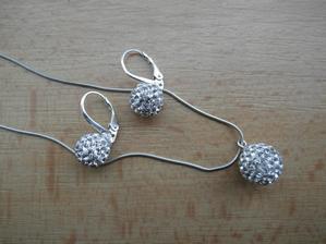 Stříbrné šperky též vlastní výroby