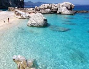 Rozhodnuto o svatební cestě - Sardinie