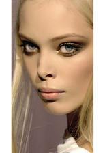 Make-up určitě zlato-bronzový