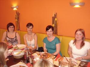 zleva: Terka, Sarka, Zanetka a Anetka