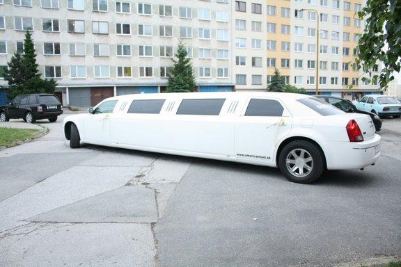 Nika{{_AND_}}Tomy - nase svadobne auto