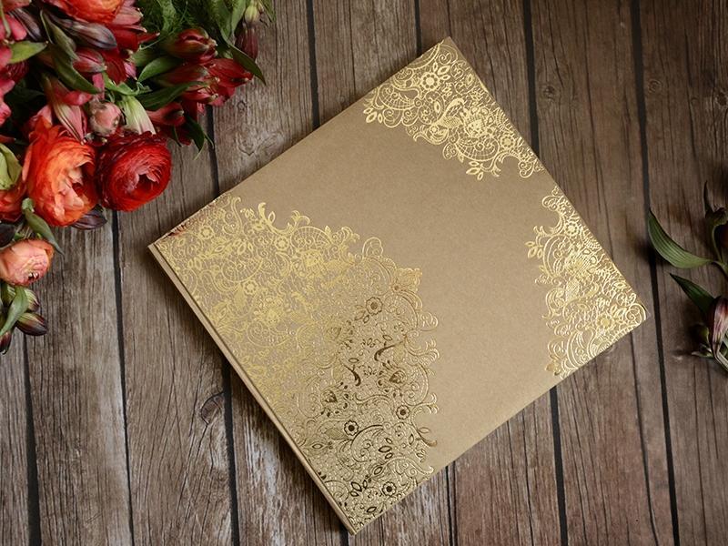 Kniha hostí hnedá kraft so zlatým vzorom - Obrázok č. 1