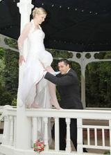 ...spadnout, tak mám asi po svatbě:-)