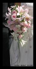 S touhle nádhernou kytkou si pro mě přijel můj nastávající! :O)