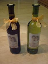 víno na svatební stůl