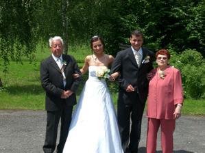s babičkou a dědou ženicha