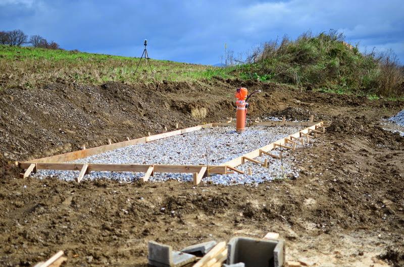 Raciodom - Zašalovaná železobetónová doska záhradného domčeka
