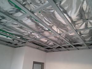 V priestore nad konstrukciou budu vedene rozvody vzduchotechniky