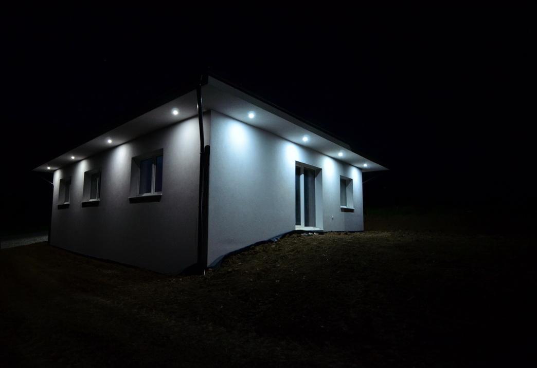 Raciodom - Vonkajsie osvetlenie domu