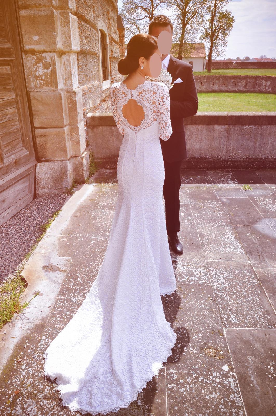 Luxusné krajkové šaty - Obrázok č. 1