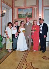 Fotka s rodiči a neteřinkou.