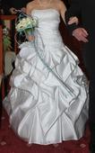 Bílé saténové svatební šaty s vlečkou, 34