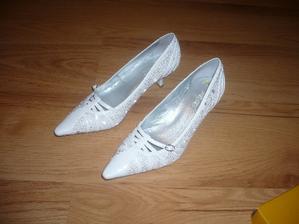 moje  botičky na obřad...