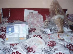 Všechny naše svatební dary včetně podkladu (postele) MOC ZA NĚ DĚKUJEME!!!