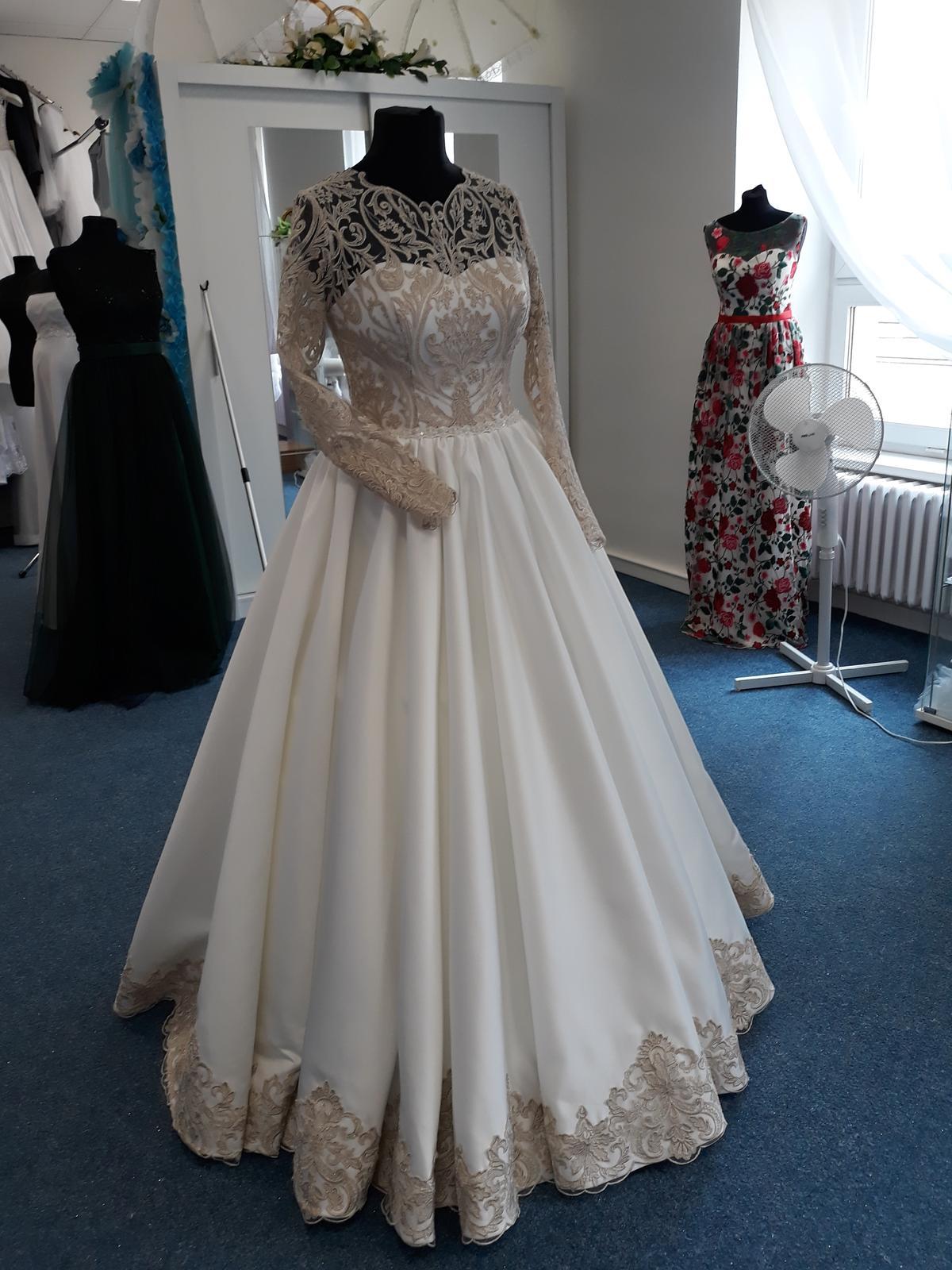 Svatební šaty  jen na objednání velikosti 36 až 42 - Obrázek č. 1