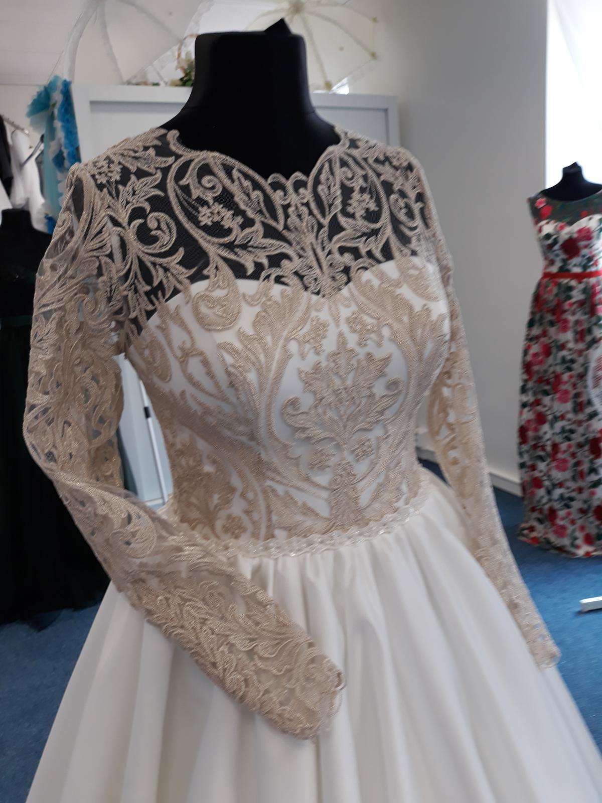 Svatební šaty  jen na objednání velikosti 36 až 42 - Obrázek č. 2