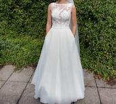 Krémové svatební šaty, 36