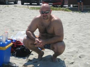manzilek pozuje na plazi