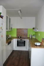 Naše kuchyňka ještě bez digestoře...