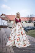 šaty s kvetinovou potlačou, 34