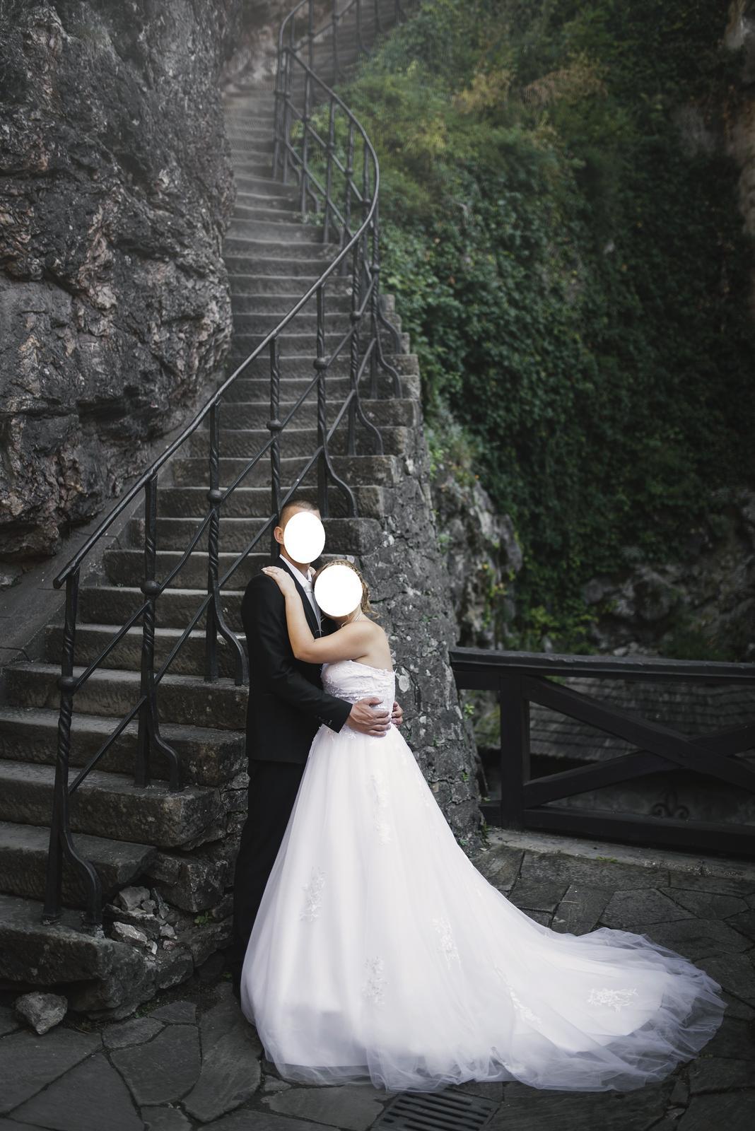 svadobne saty - Obrázok č. 1