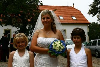Moje krásné družičky, sestřička a dcera manželovi sestry!