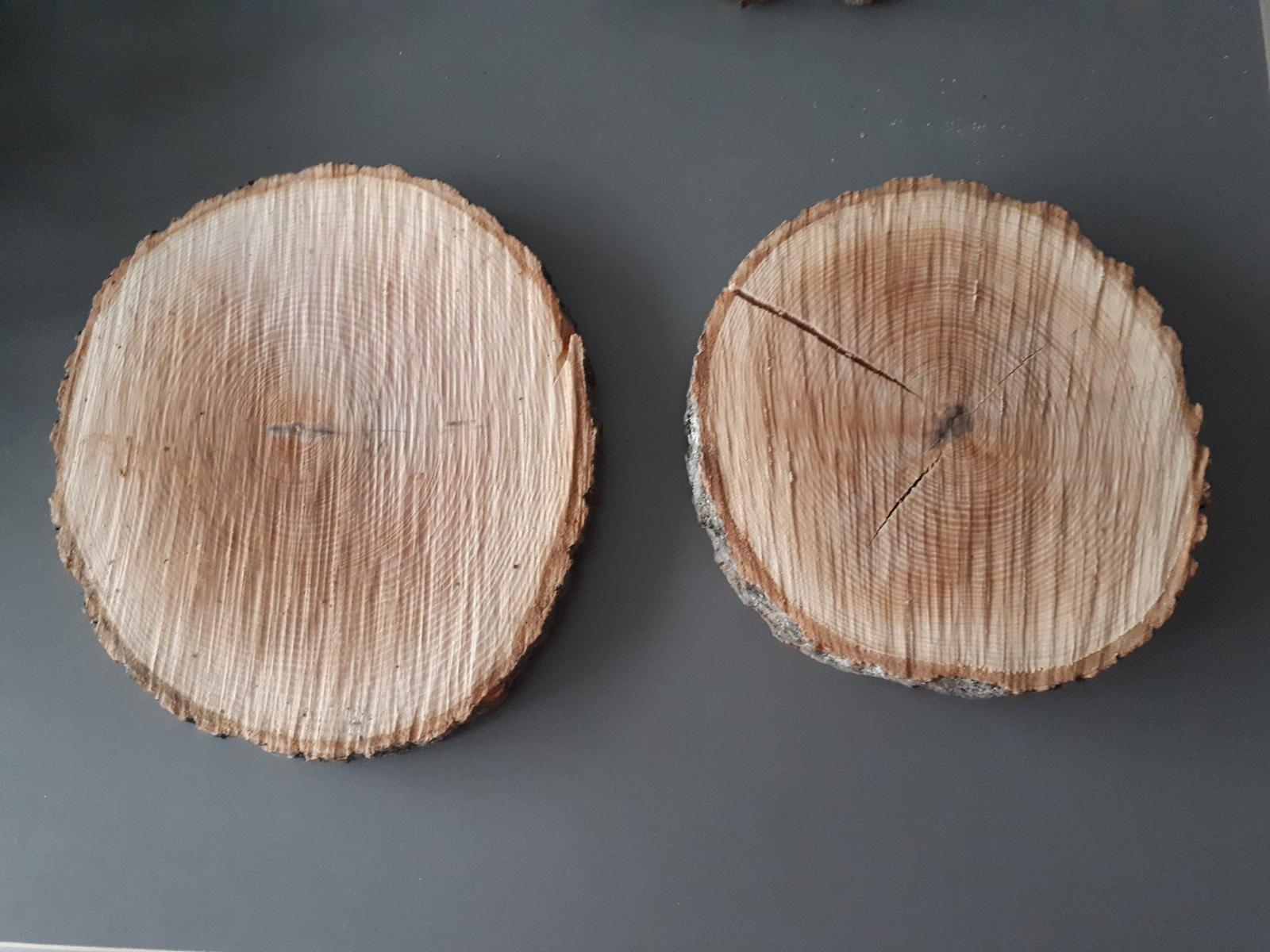 8x dřevěná kulatina na stůl - Obrázek č. 1