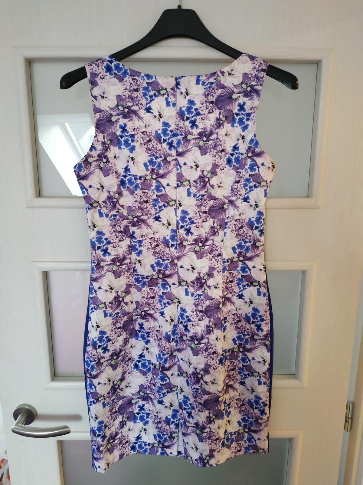 Šaty bez rukávů - Obrázek č. 2