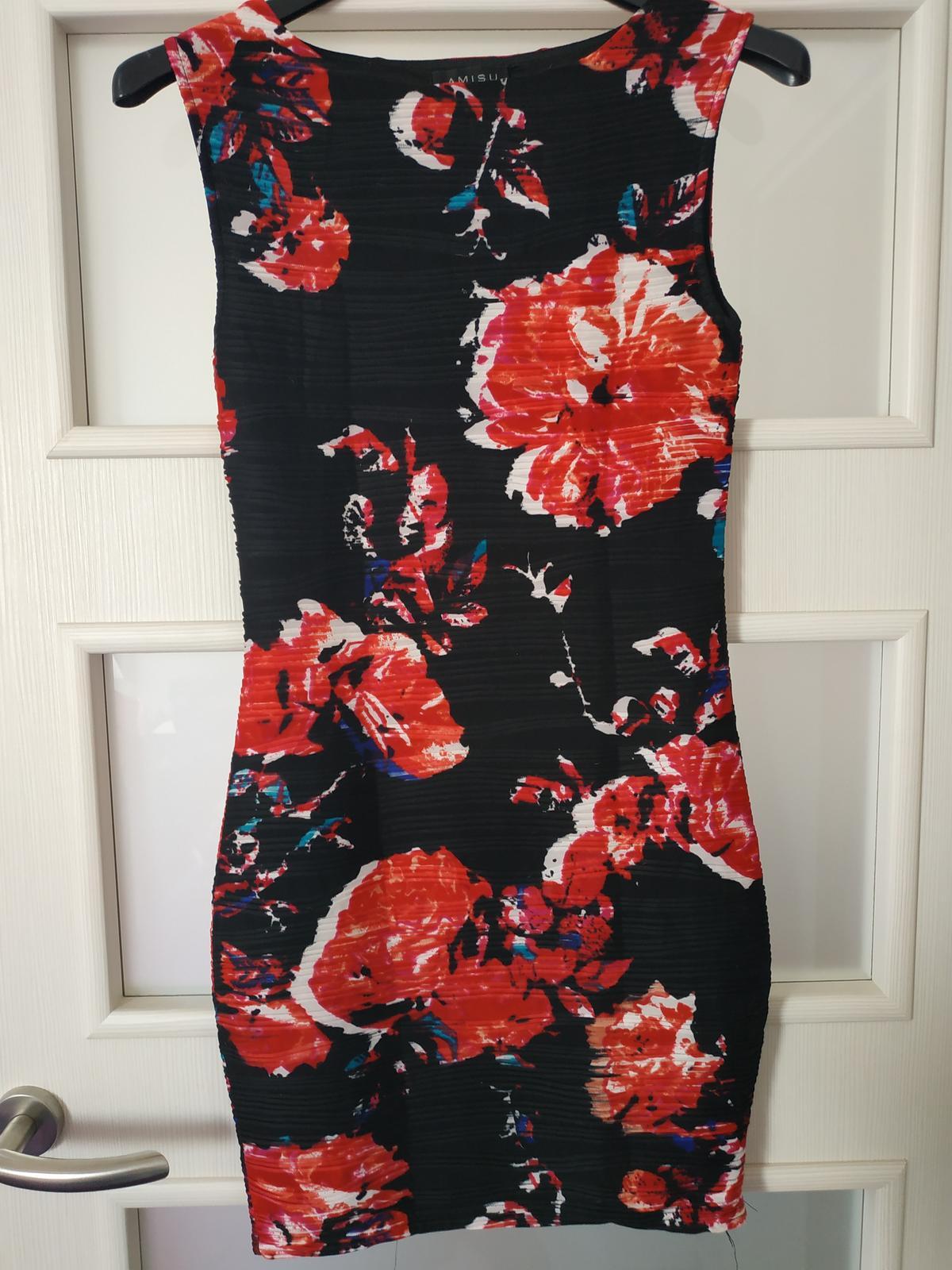 Šaty bez rukávů - Obrázek č. 1