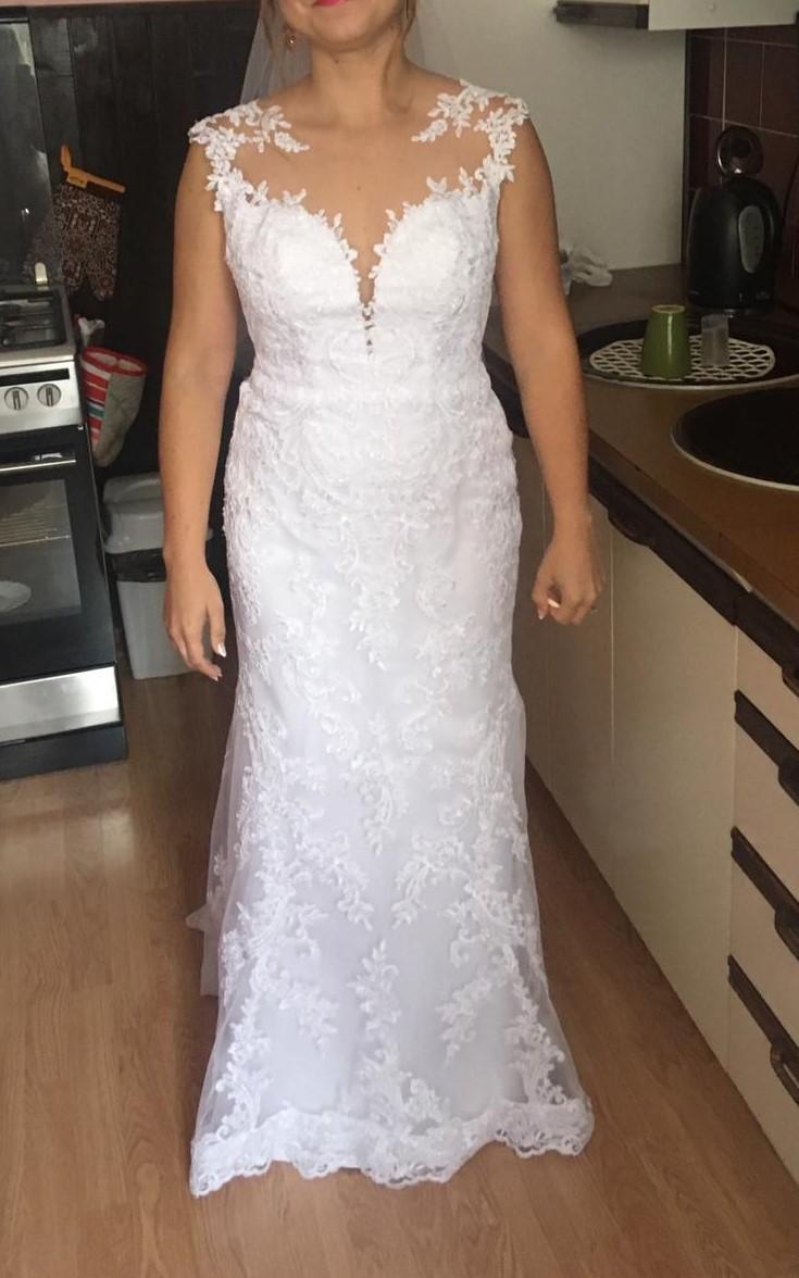 Svadobné šaty rovného strihu - Obrázok č. 1
