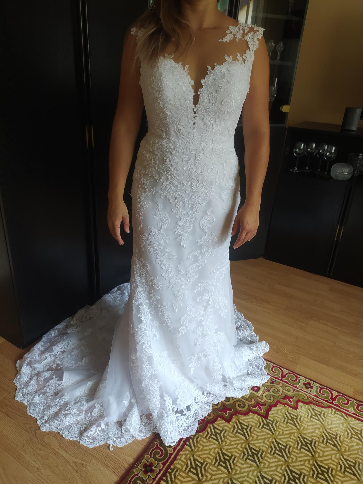 Svadobné šaty úzkeho strihu - Obrázok č. 1