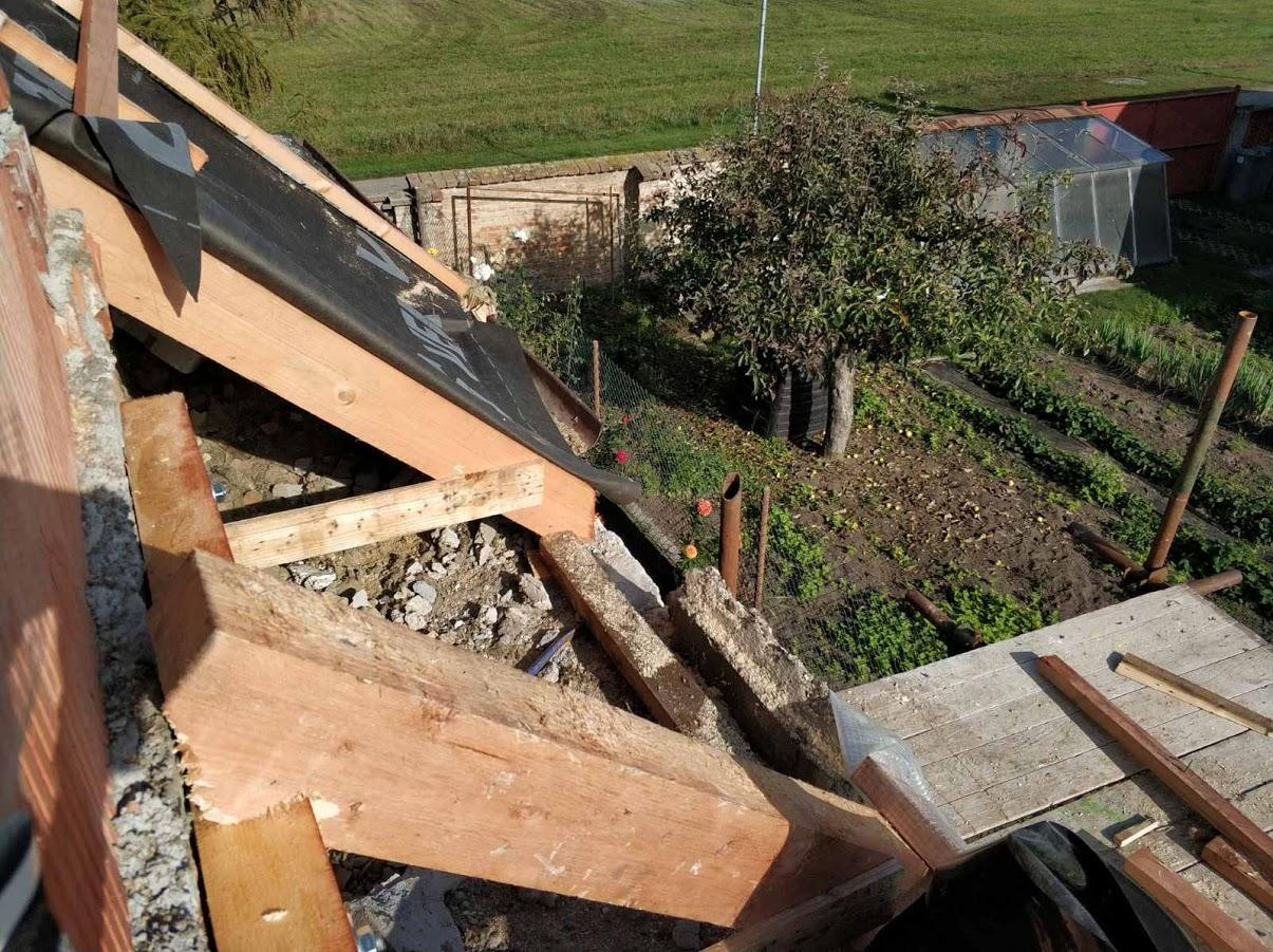 Starosti se střechou - Kapsa kterou manžel zateploval minerální vatou