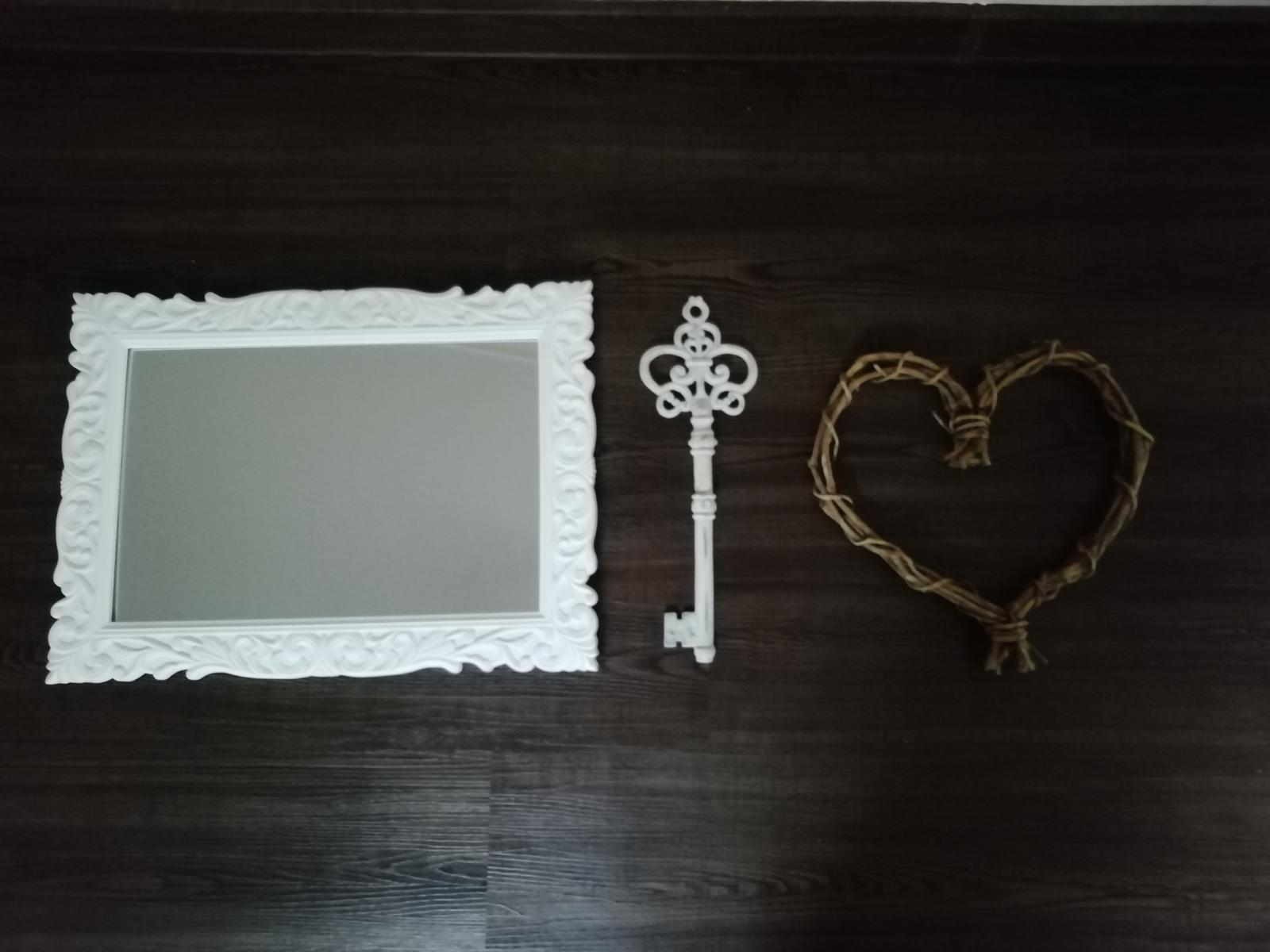 Zrcadlo, klíč, srdce - Obrázek č. 1