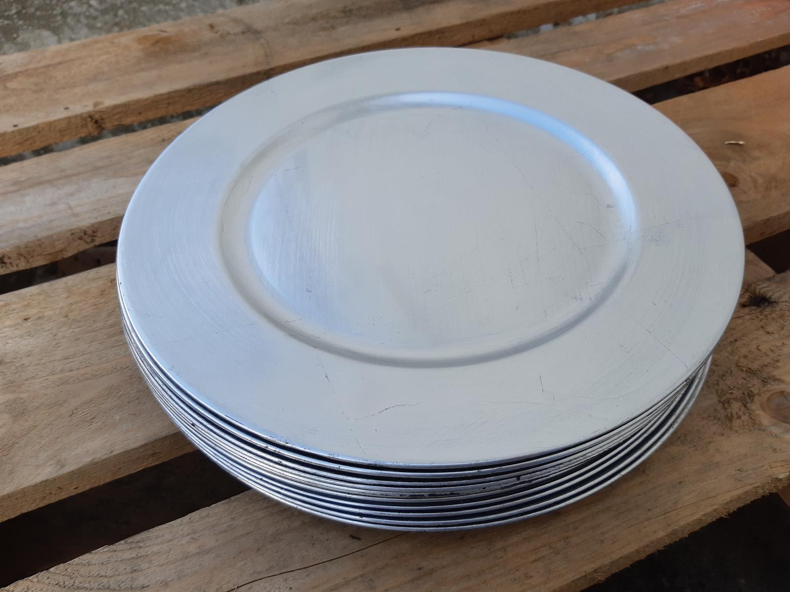 Strieborné lesklé dekoračné taniere - Obrázok č. 1