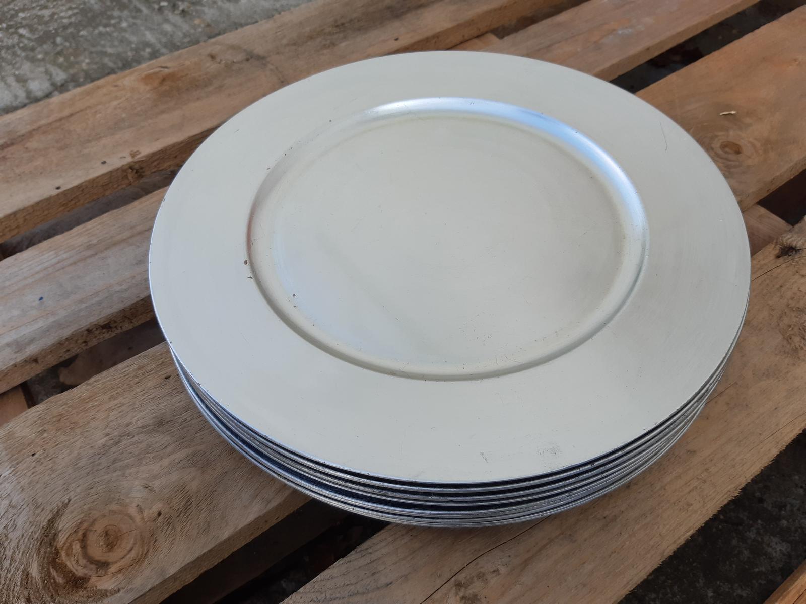 Strieborné matné dekoračné taniere - Obrázok č. 1
