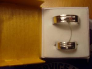 naše bílozlaté prstýnky hotové 28.3.07