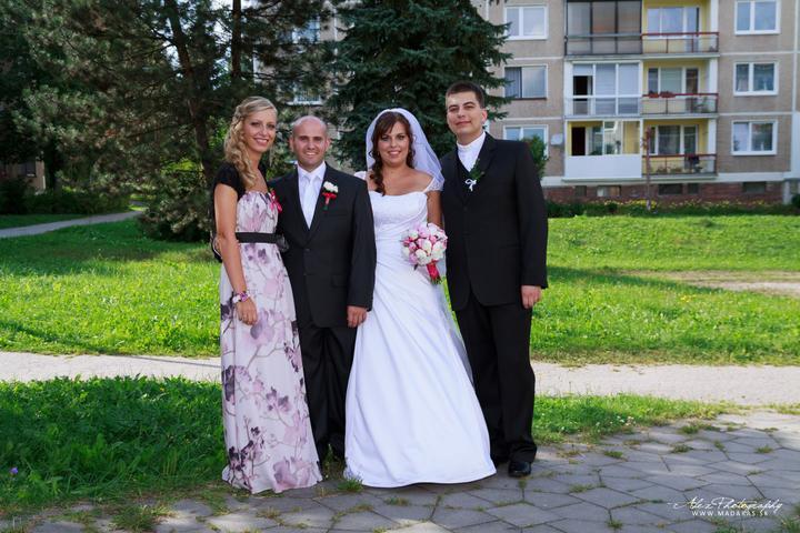 Katka{{_AND_}}Robko - s mojom uzasnou sestrou a bratom, dakujem vam za vsetko :)