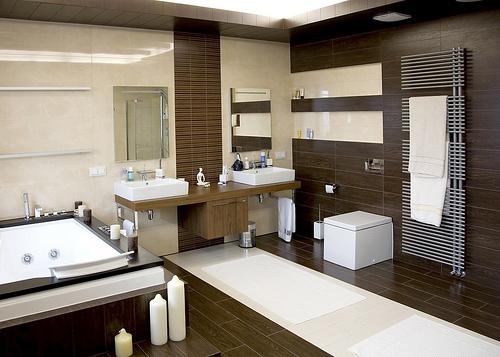 Inspirace-tmavé podlahy, koupelny, vybavení - Obrázek č. 1