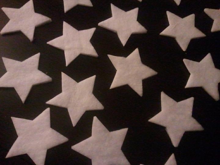Handmade & vánoce - hvězdičky připraveny, ještě dostanou blýskavý kabátek :-)