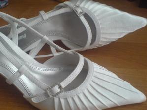 Foto půjčené, ale botky mám stejné :-)