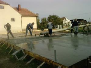 trošku sme neodhadli zriedenie betonu