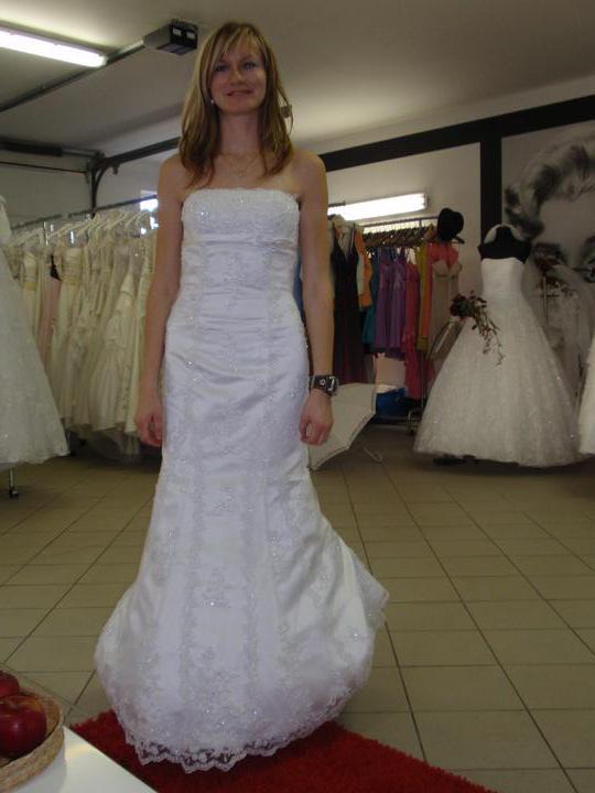 Zelená svatba - zkouška svatebních šatů