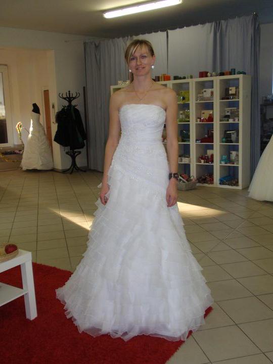 Zelená svatba - tyto vyhrály,na předchozí fotce jsou krémové,tady jsou čistě bílé:-)