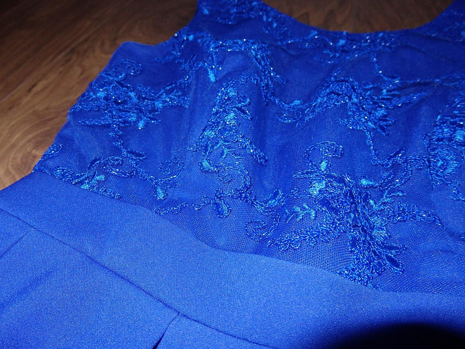 kráľovsky modré šaty - Obrázok č. 2