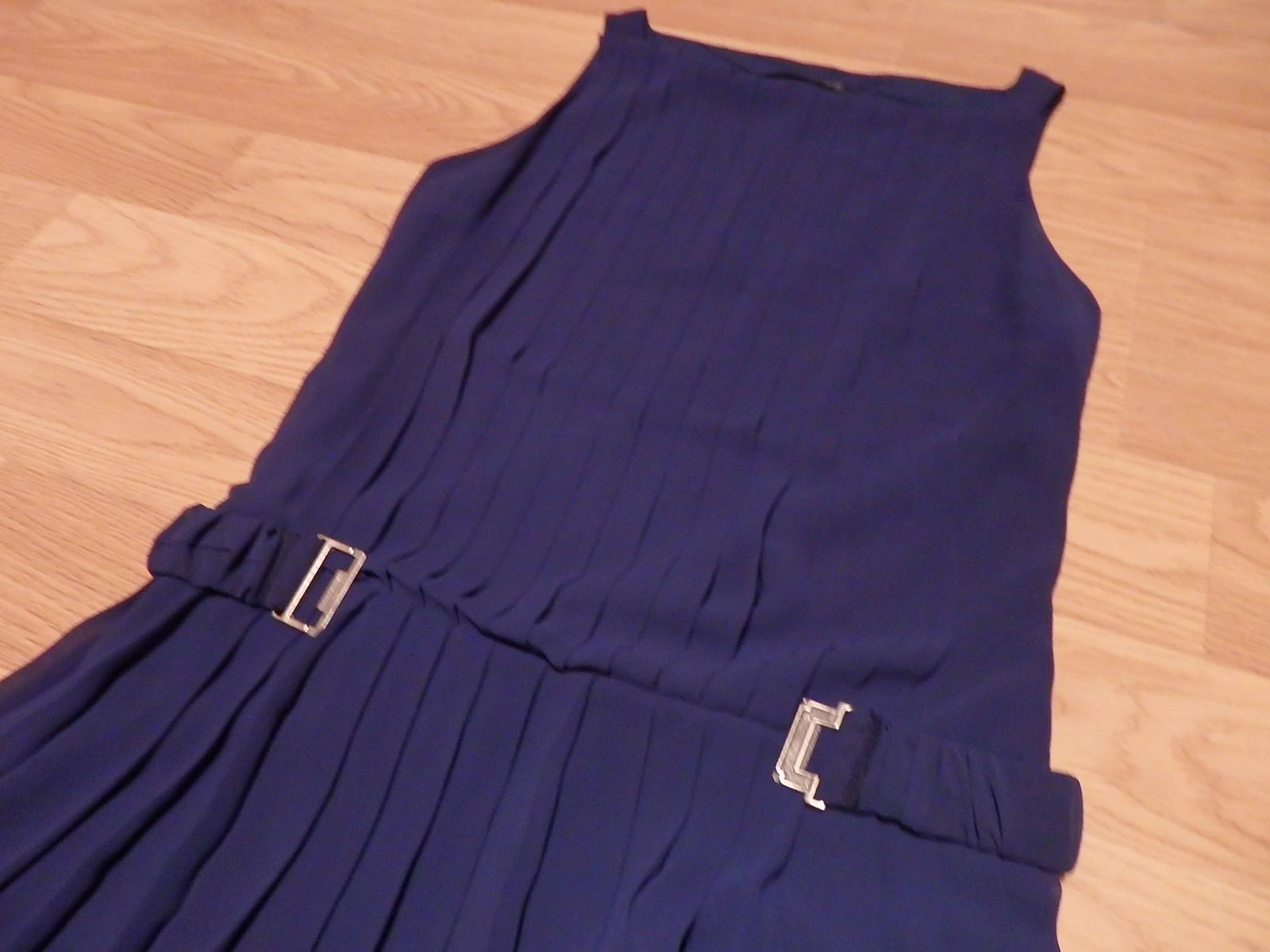 Plisované šaty nad kolená - Obrázok č. 1