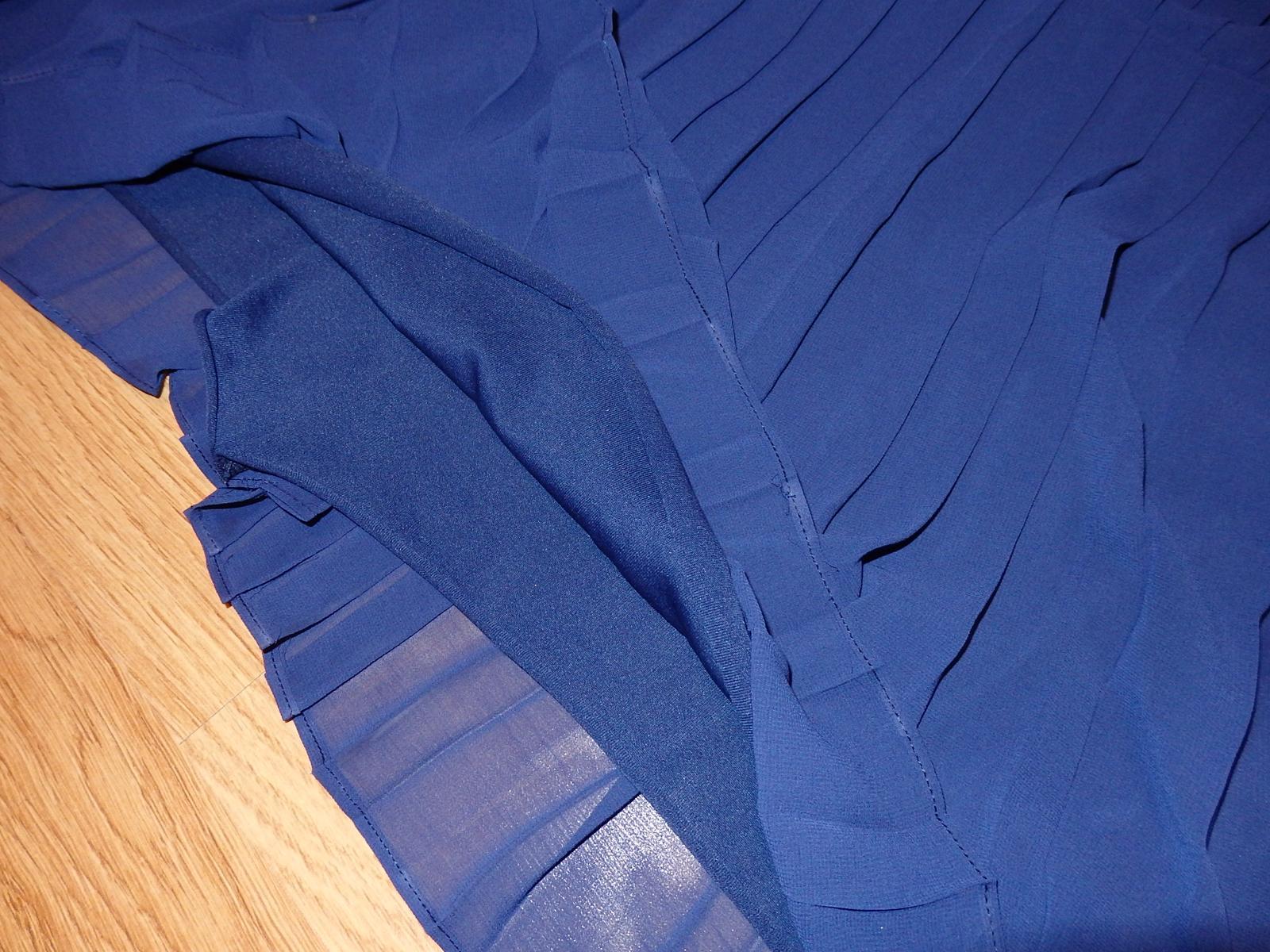 Plisované šaty nad kolená - Obrázok č. 4