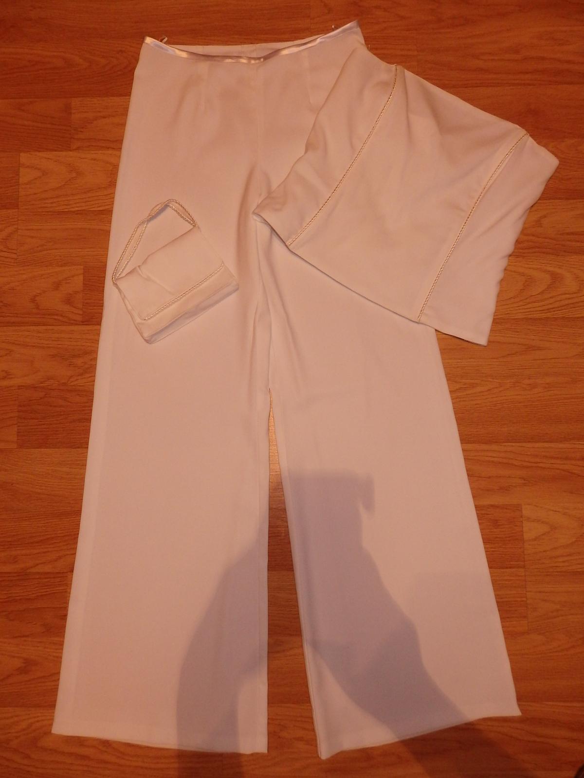 biely nohavicový kostým - Obrázok č. 3