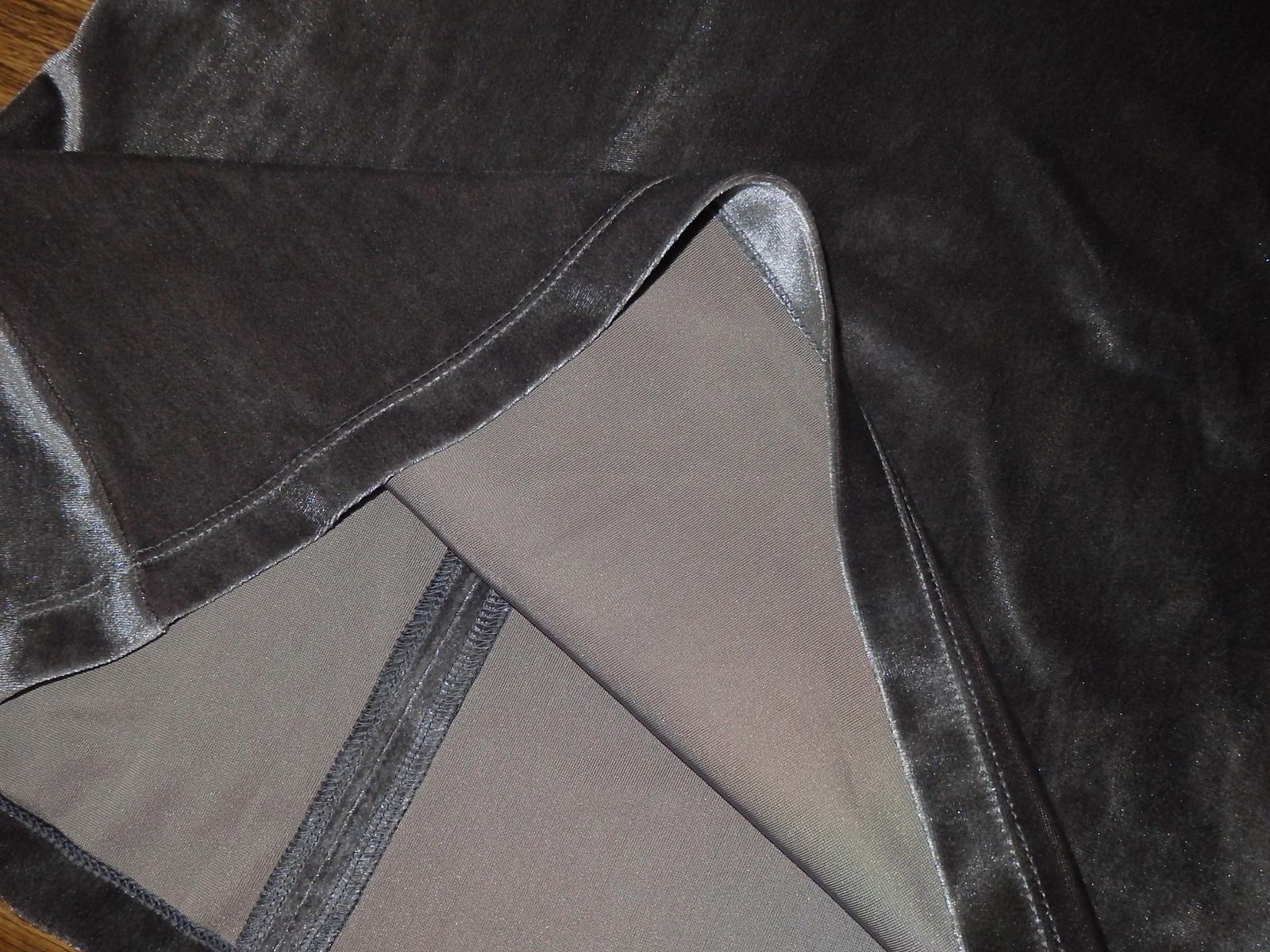 zamatové šaty - Obrázok č. 3