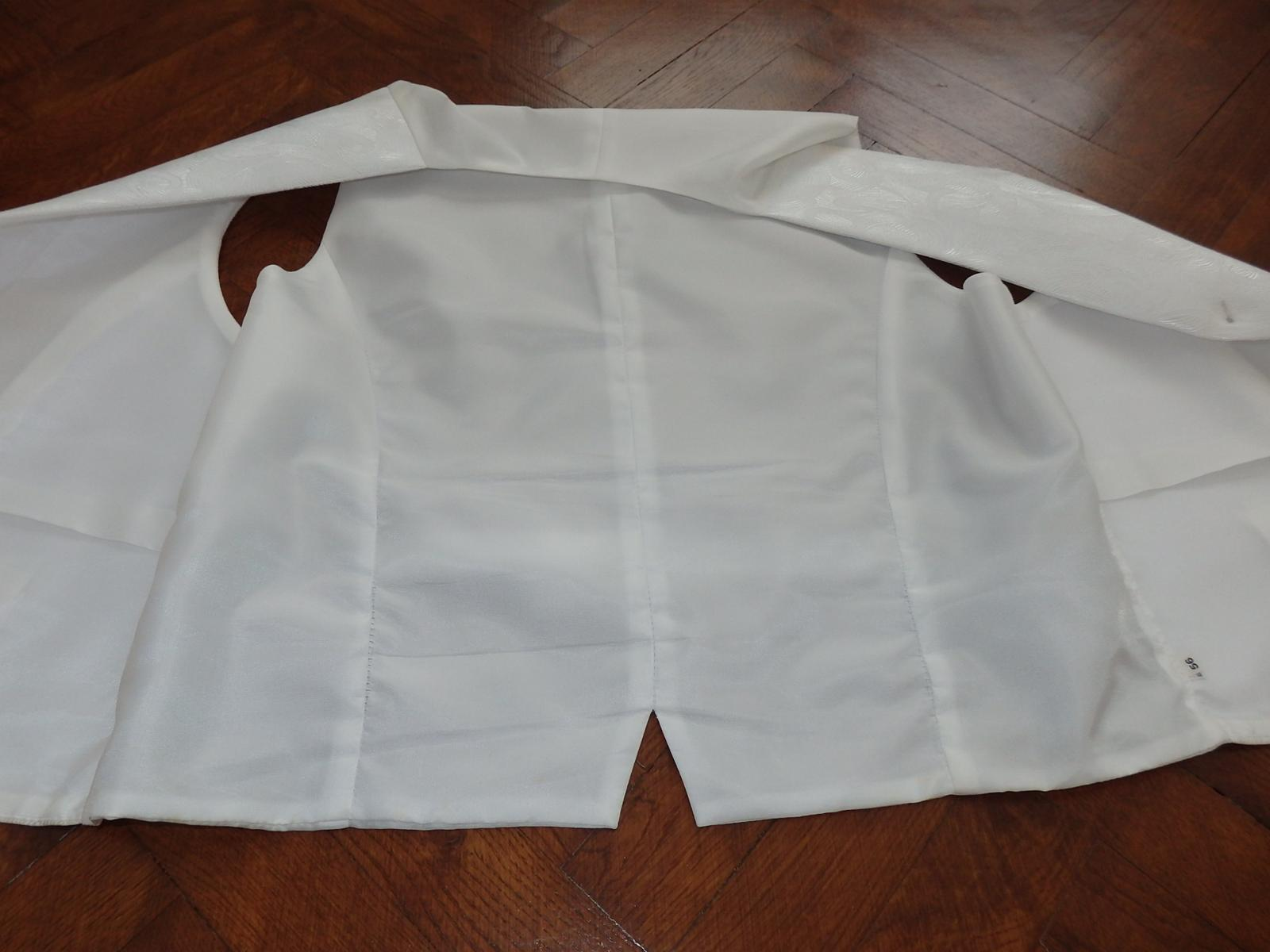 svadobná vesta s kravatou - Obrázok č. 4